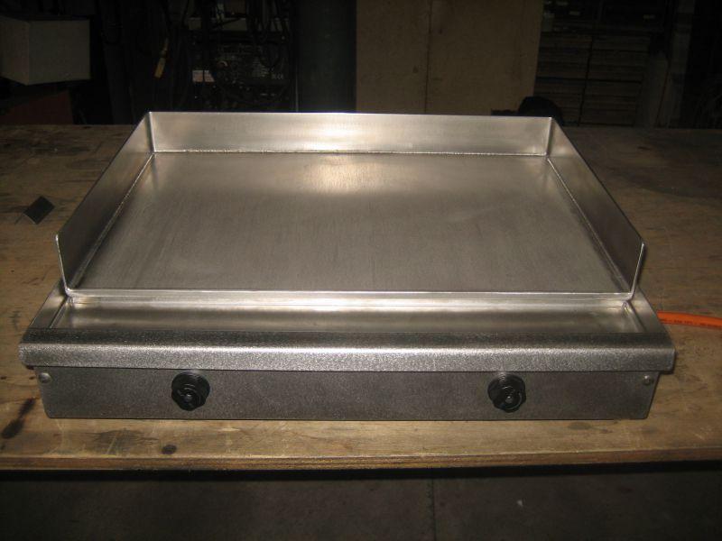 Fabrication d 39 une plancha inox pour un particulier de for Fabrication inox