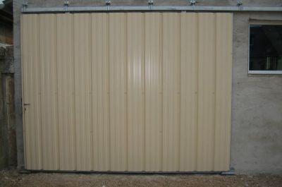 fabrication d 39 une porte de garage hangar coulissante jouanneau thierry. Black Bedroom Furniture Sets. Home Design Ideas